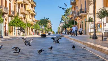 Sicilia bagheria fantastiche ville sul mare for Case bagheria