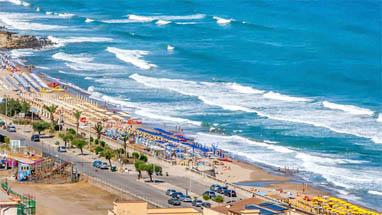 Pescara Strand sizilien cefalu langer strand an großem dom